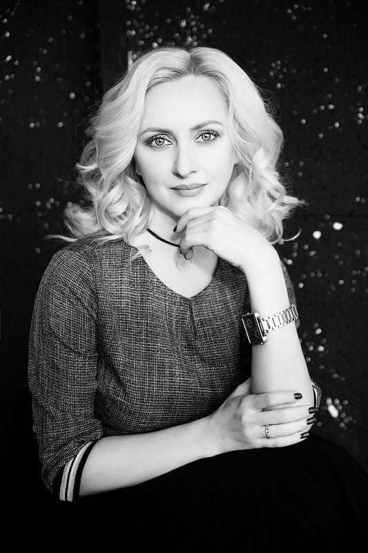 красивая, женщина, чб, черно-белая фотография, портрет, блондинка, врач Владаphoto preview