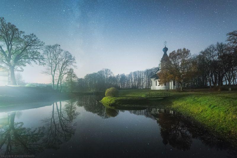 Ночью у тихого прудаphoto preview