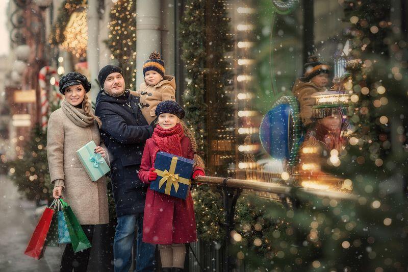 семья, питер, новый год, витрины длт Предновогодняя суетаphoto preview