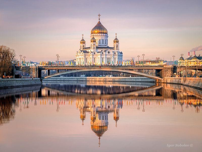 храма христа спасителя, москва, отражение, утро, christ the savior cathedral, moscow, reflection, morning Отражениеphoto preview