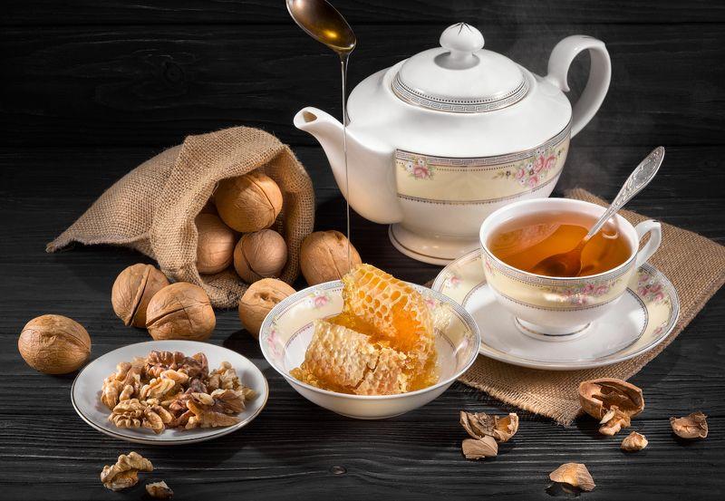 соты, мёд, чай, сладости, чашка, чайник, посуда, орехи, уют Под медок с орешком...photo preview