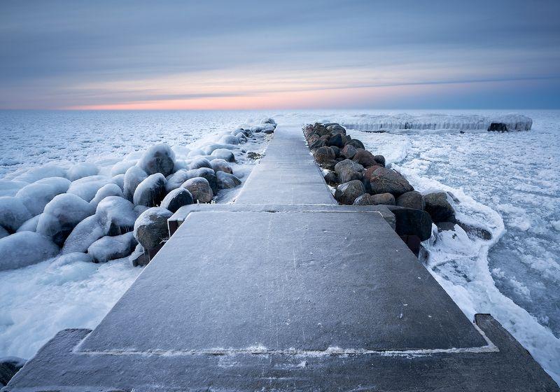 pier, ice, winter, lake, stones, пирс, лёд, зима, озеро, камни Frozenphoto preview