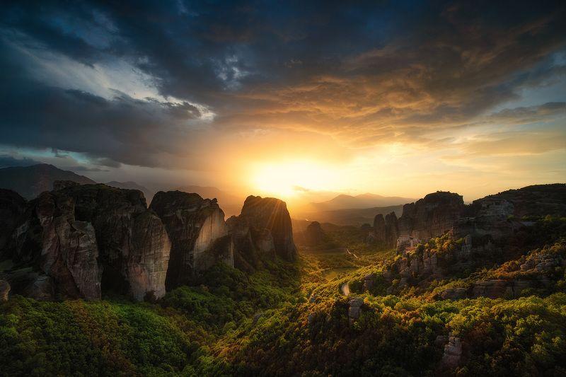 Закат на Метеорахphoto preview