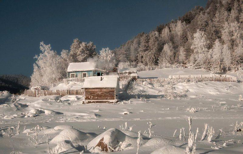 мороз. берег. изморозь. Сибирская зима.photo preview