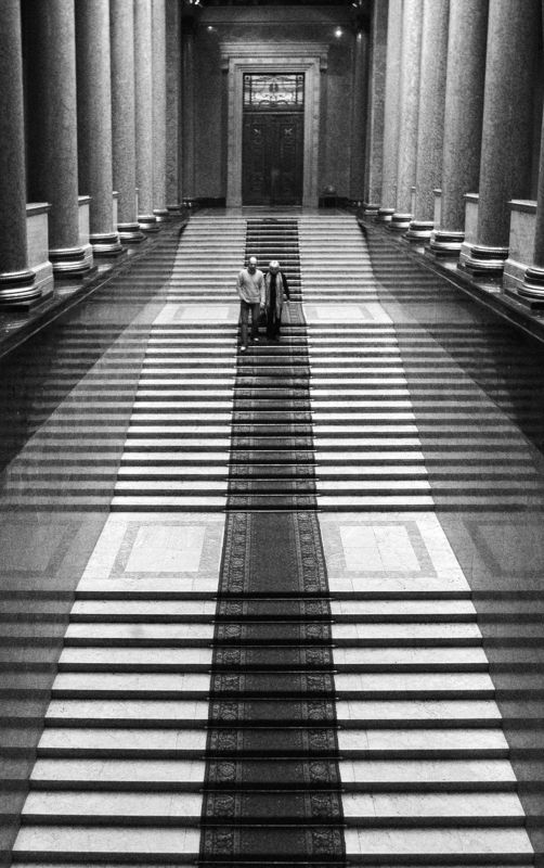 ч/б перспектива по дороге в тишину (музей)photo preview