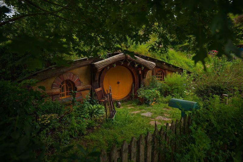 the Hobbiton housephoto preview