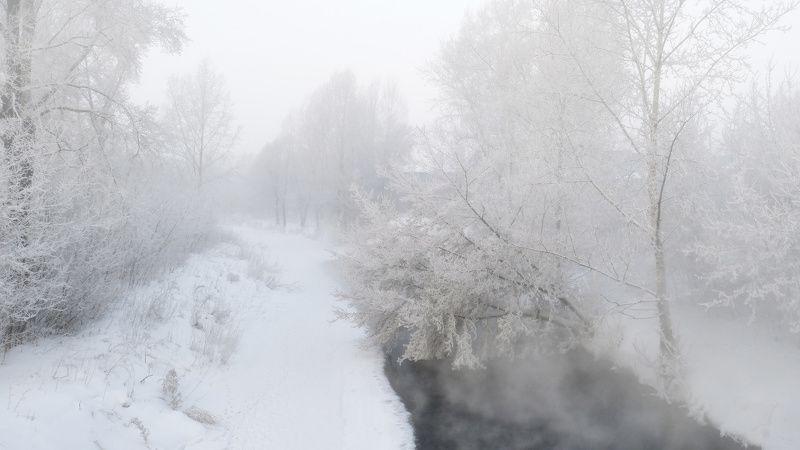 Город в морозном туманеphoto preview
