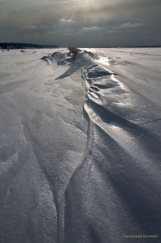 лед, снег, зима, мороз, текстура, пасмурно. Под ледяным панциремphoto preview