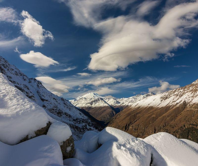 горы, облака, кавказ лайтовый свет....photo preview