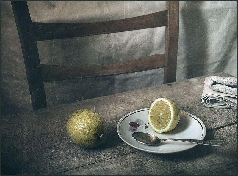 Нalf a lemon..photo preview