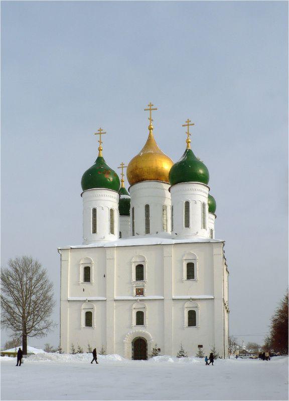 храм, собор, коломна Успенский кафедральный соборphoto preview