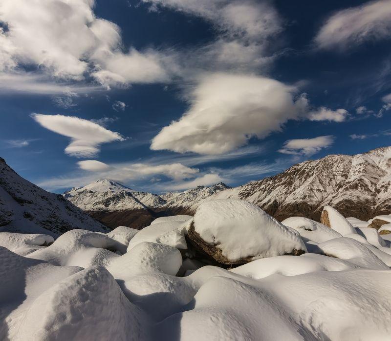горы, облака, кавказ по следам холодной зимы...photo preview