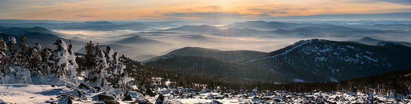 дали, хребты, долины, дымка, контровый свет, гора, зелёная, курган, шерегеш, горная шория, сибирь, зима Шерегешские дали - диптихphoto preview