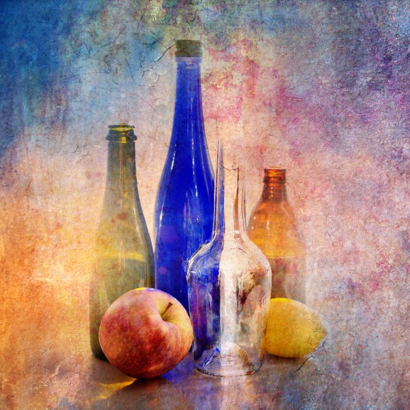 фото , цвет , натюрморт ,  фрукты , бутылки , текстура Натюрморт с бутылками  и фруктамиphoto preview