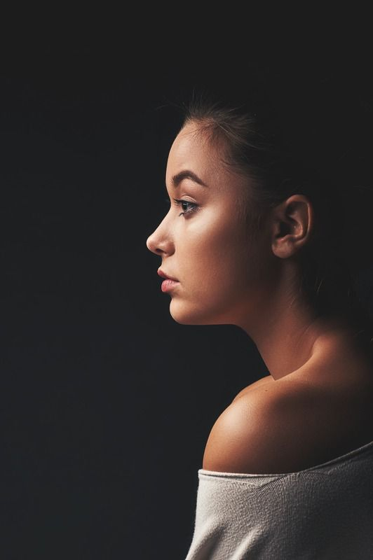 портрет, студия, настроение, взгляд Полинаphoto preview