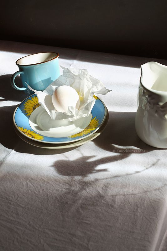 натюрморт, тени, яйцо, голубая чашка, скоро весна Скоро веснаphoto preview