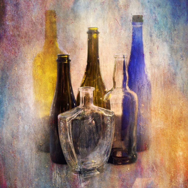 фото , цвет , натюрморт , бутылка , стекло , томаты , светлый тон Натюрморт с бутылкамиphoto preview