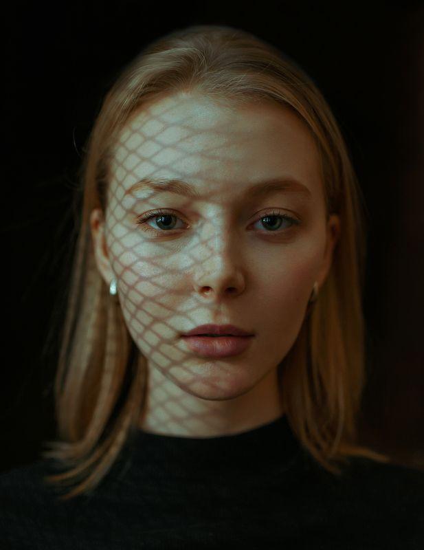 portrait, портрет, girl, indoor, studio, девушка, traces, december, ламповый, retouch, ретушь, цвет, lamp, следы Dianaphoto preview