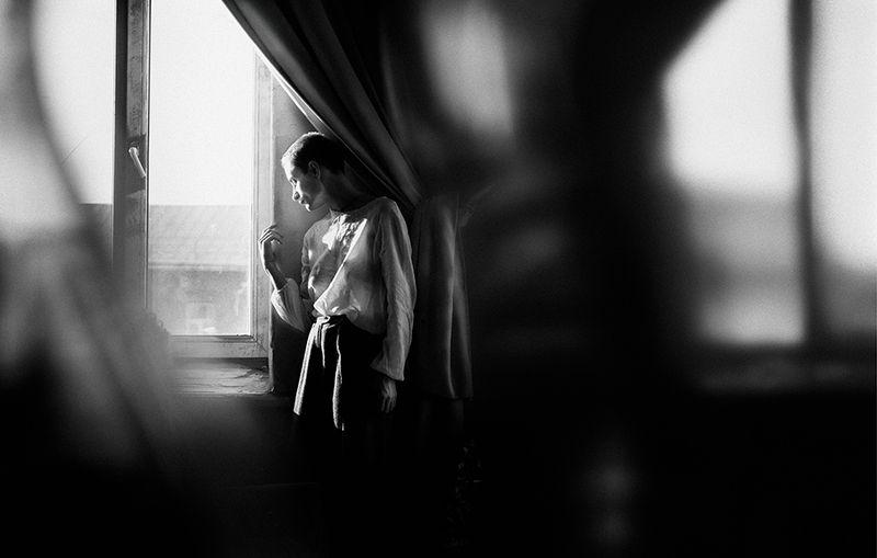 портрет, девушка, окна, черно белое, portrait, black and white В и к т о р и яphoto preview