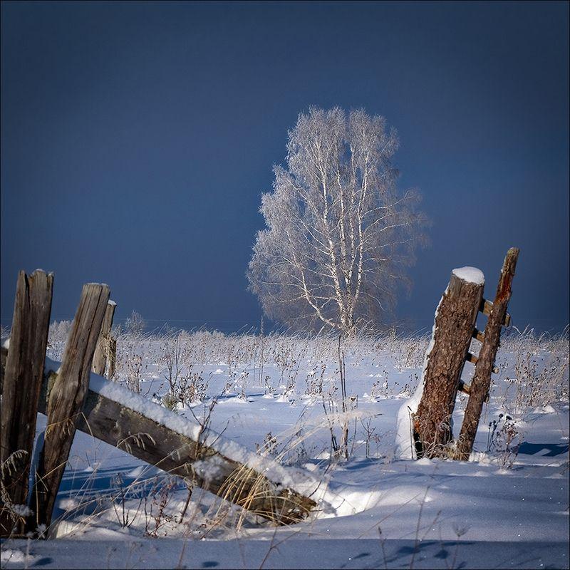 Зима рисует белым...photo preview