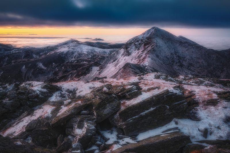 rodnei, romania, landscape, sunrise, mountain, winter Shardsphoto preview