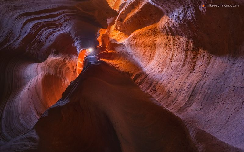 eroded, natural landmark, orange color, antelope canyon х, canyon, abstract, arid climate, arizona, awe, beauty in nature, bizarre, cave, color, extreme terrain, rock formation, sandstone, slot canyon, textured effect, usa, vibrant color Свет в конце тоннеляphoto preview
