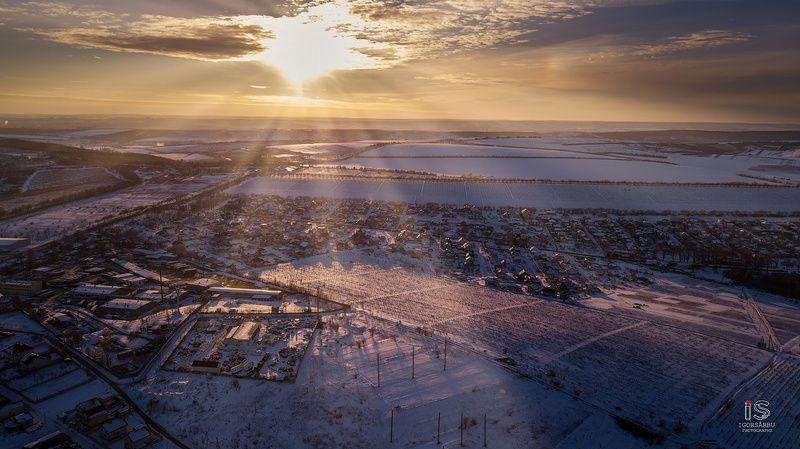 Sunrise in winterphoto preview