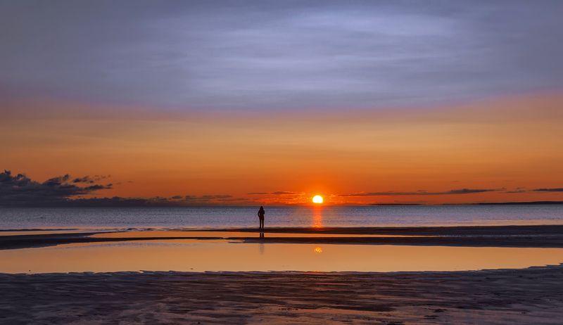 море,закат,берег,солнце,девушка Закат.photo preview