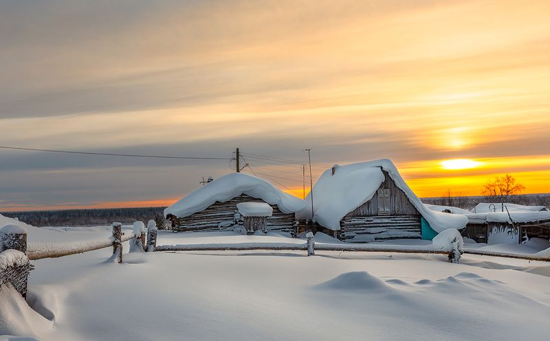 зима,коми,природа,север,закат,мороз,снег,деревня,иней,winter, komi, nature, north, sunset, frost, snow, village, frost Зима не сдаётсяphoto preview
