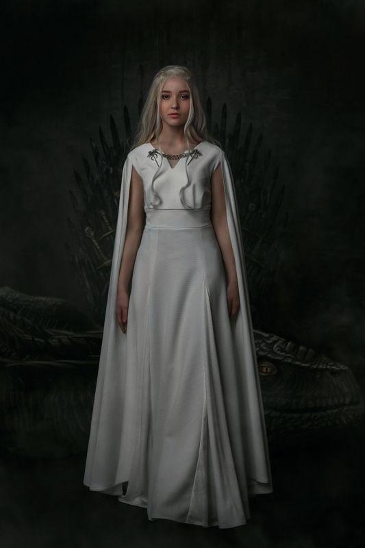 игра престолов, любимый сериал, трон из мечей, дейнерис, косплей, образ из фильма, фотоарт Дочь короляphoto preview
