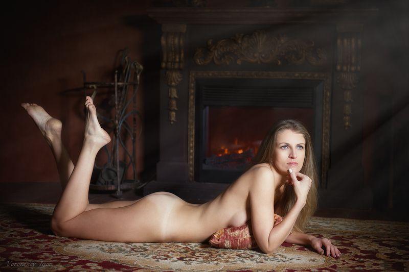 ню, девушка, грудь, обнажённая,камин,красивая, обнажённая, голая photo preview