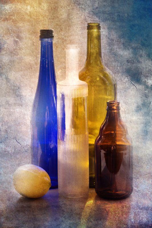 фото , цвет , натюрморт , бутылки, лимон , Натюрморт Один лимон и бутылки ...photo preview