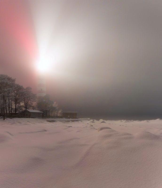 маяк, туман, зима Ночь у Шепелевского маякаphoto preview
