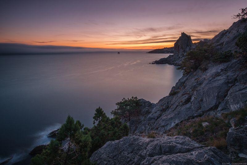 крым, горы,закат,вечер,пейзаж,скалы,море,бесконечность,длинная выдержка,симеиз,осень,природа,пространство, Вечернее мореphoto preview