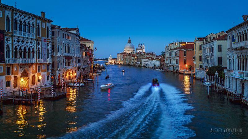 italy, italian, venice, veneto, venezia, rialto, sunset, lights, urban, city, венеция, италия, мост, вечер, закат, город Огни Венецииphoto preview