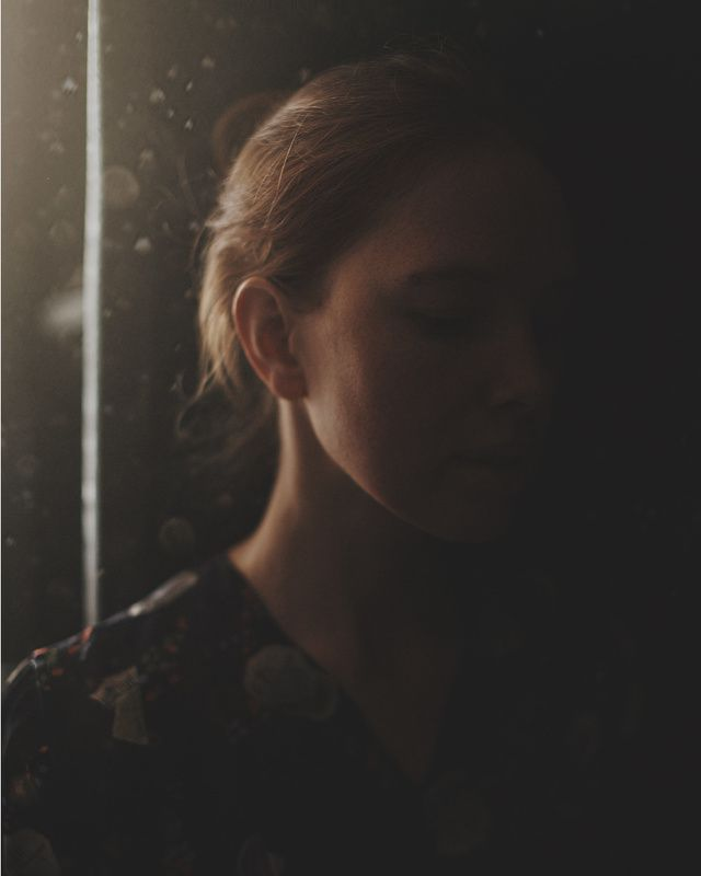 портрет, атмосфера, настроение, естественный свет, девушка Дашаphoto preview