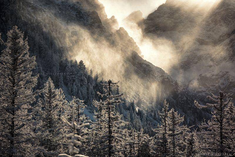 mountains, tatry, tatras, light, wind, cold, winter, landscape, poland, polish, sunrise, sunset, beautiful, awesome, amazing, adventure, travel, explore Wind and light фото превью