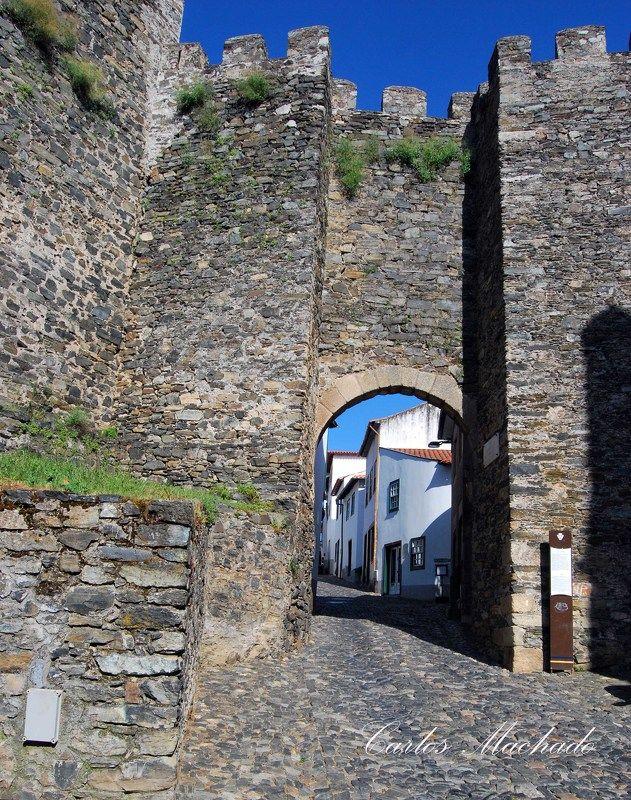 travel, city,castle Bragança Castlephoto preview