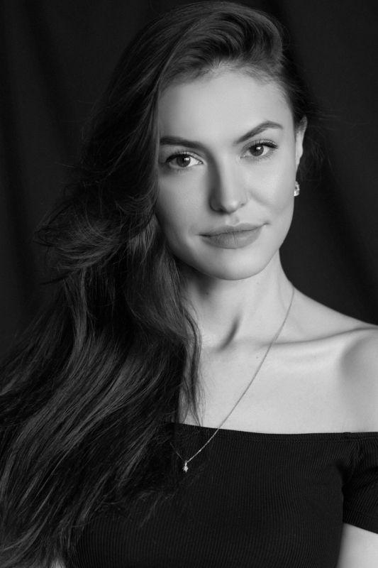 девушка портрет чб черно-белое  Liliyaphoto preview
