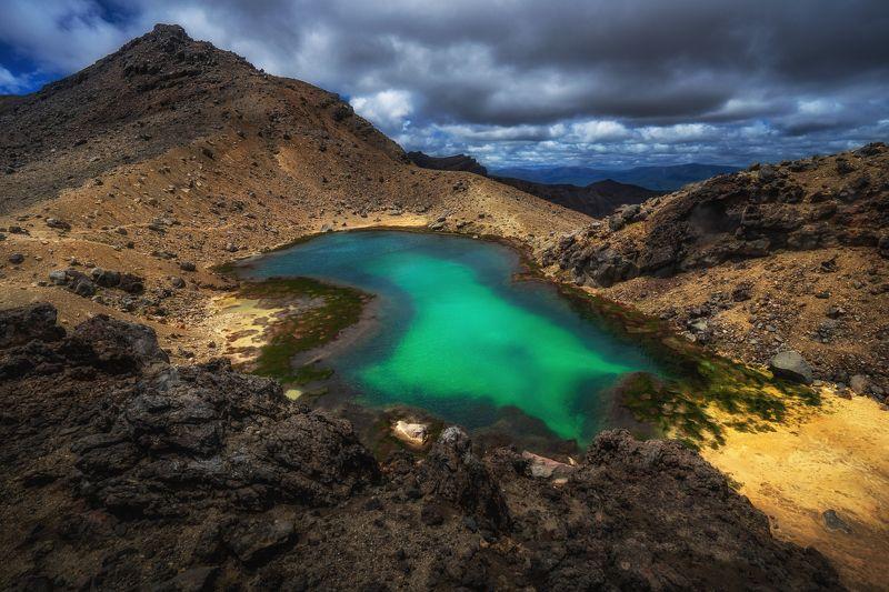 озеро пейзаж горы новаязеландий вода вулканическое озероphoto preview