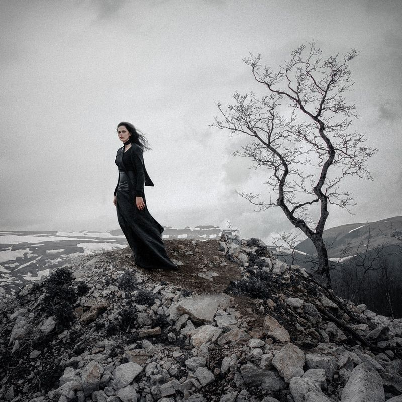 girl, model, fog, wind, mood, sadness, silence, mountains, russia Widowphoto preview