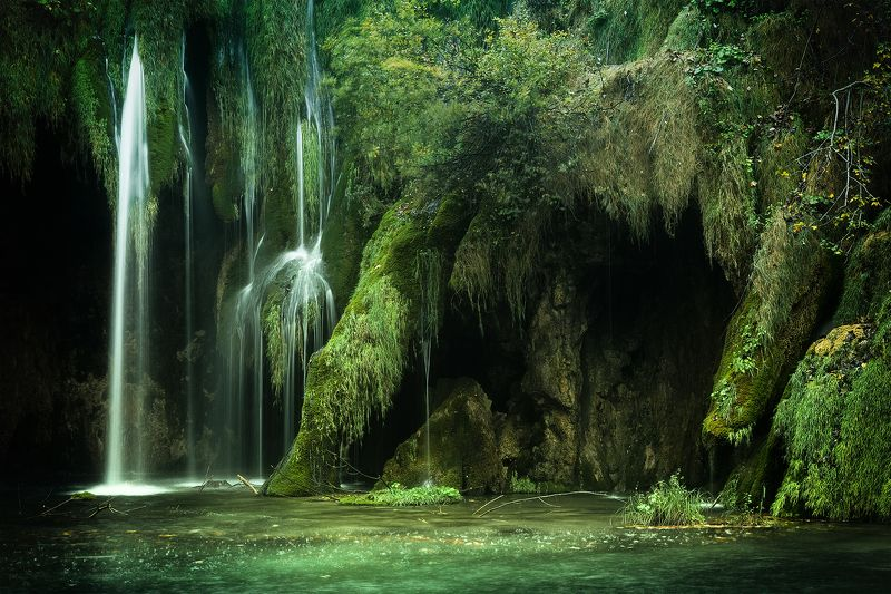landscape, plotvice lakes, croatia, waterfall Green nuancesphoto preview