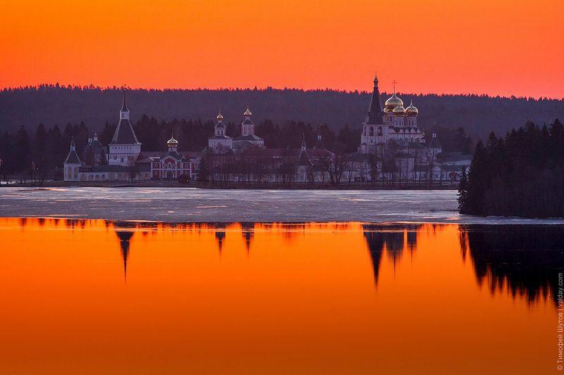 иверский монастырь, валдай В предрассветной тишинеphoto preview