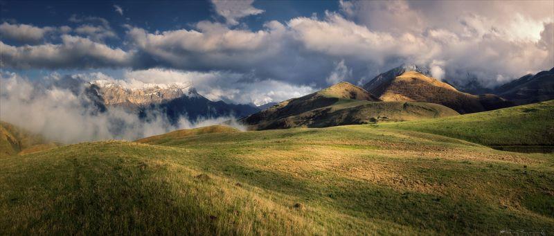 перевал, чегемское ущелье, кавказ Альпийские луга Кавказа.photo preview