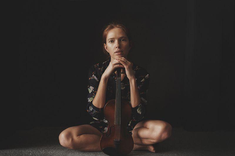 портрет, естественный свет, настроение, студия, скрипка, portrait, mood Дашаphoto preview