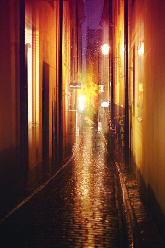 швеция, стокгольм, город, улица, ночь, снег, фонарь, дом, архитектура, свет, мостовая, dyadyavasya Первый снег в Стокгольмеphoto preview