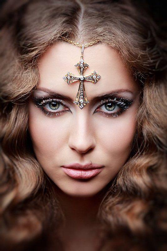 крест, камни, ювелирка, девушка, портрет ***photo preview