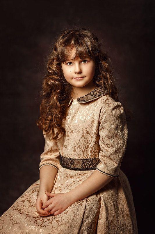 портрет, классический, свет, цвет, девочка, студицйный портрет, Портрет девочкиphoto preview