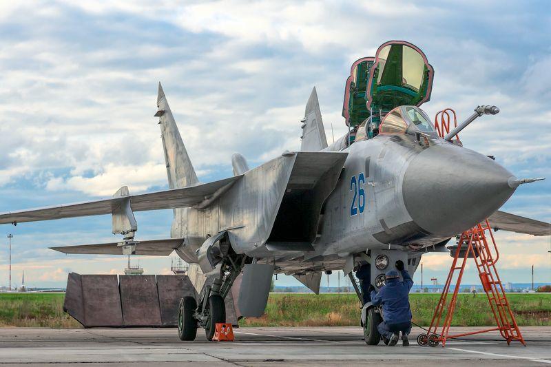 миг-31, перехватчик, авиация, вкс Почистить пёрышки...photo preview