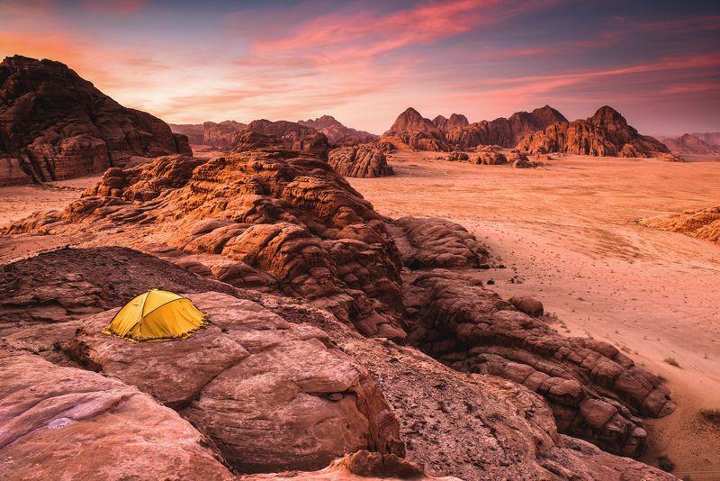mountains, jordan, landscape, wadi rum, sunset, desert, light, colors, winter, warm, tent, composition, horizon, sand Marsphoto preview